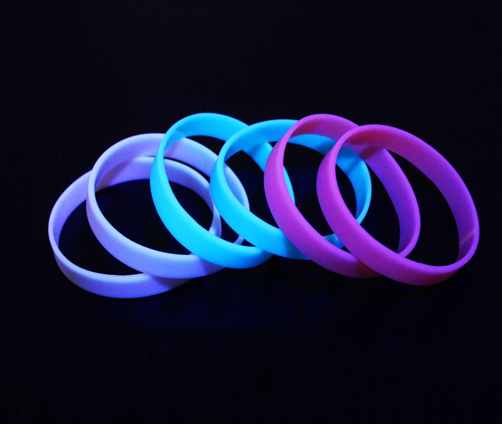 Image of   Glow in the dark armbånd pakke
